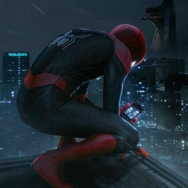 человек паук в телефоне