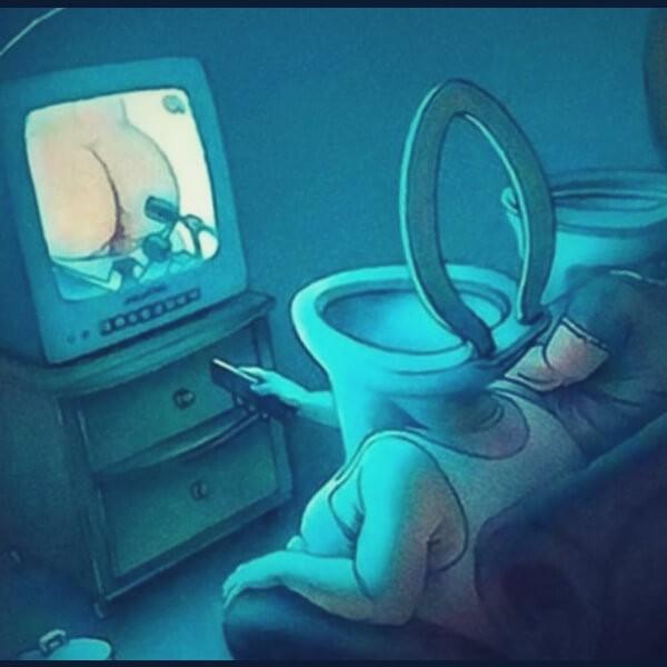 унитаз и телевизор