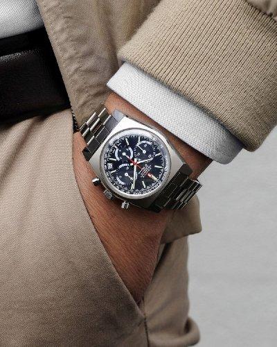 часы зенит на руке