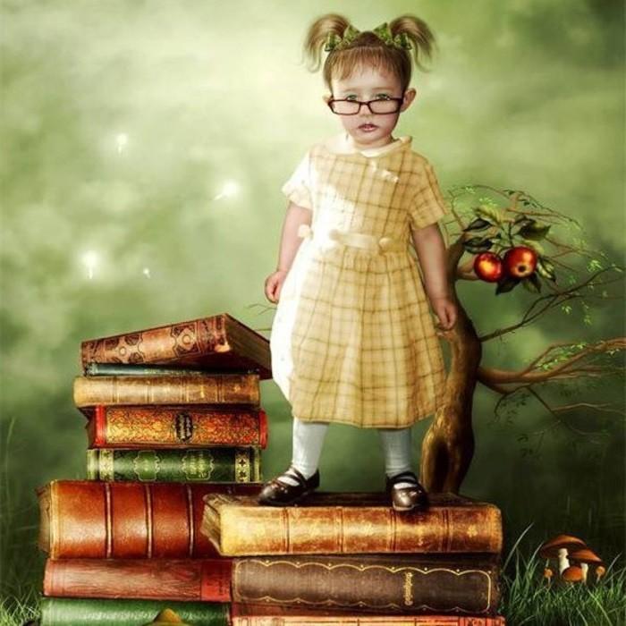 девочка на книгах
