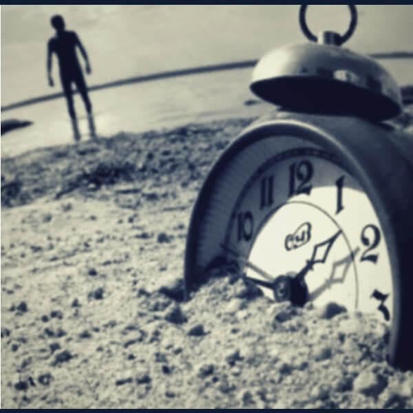 закопанные часы