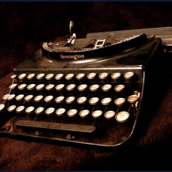 написать статью на старой машинке