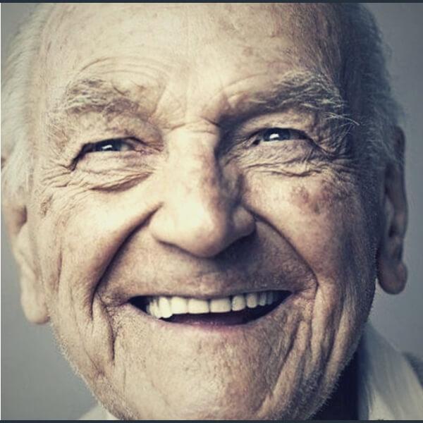 улыбка старого человека