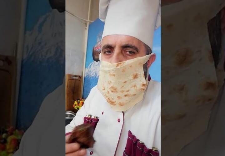 защитная маска из лаваша