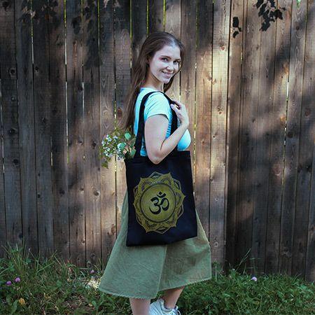 сумка-шоппер и девушка